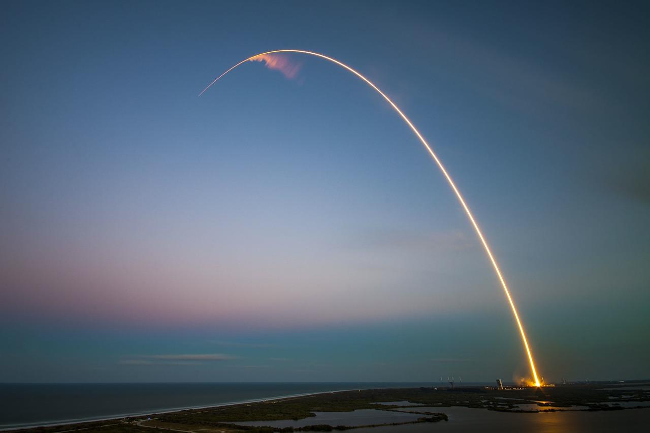 rocket-1245696_1280